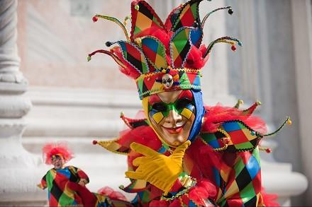 carnevale-2015-maschere-trucchi-e-costumi-fai-date-gratis-idee-originali-uomini-donne-e-bambini-e-sfilate-feste-venezia-roma