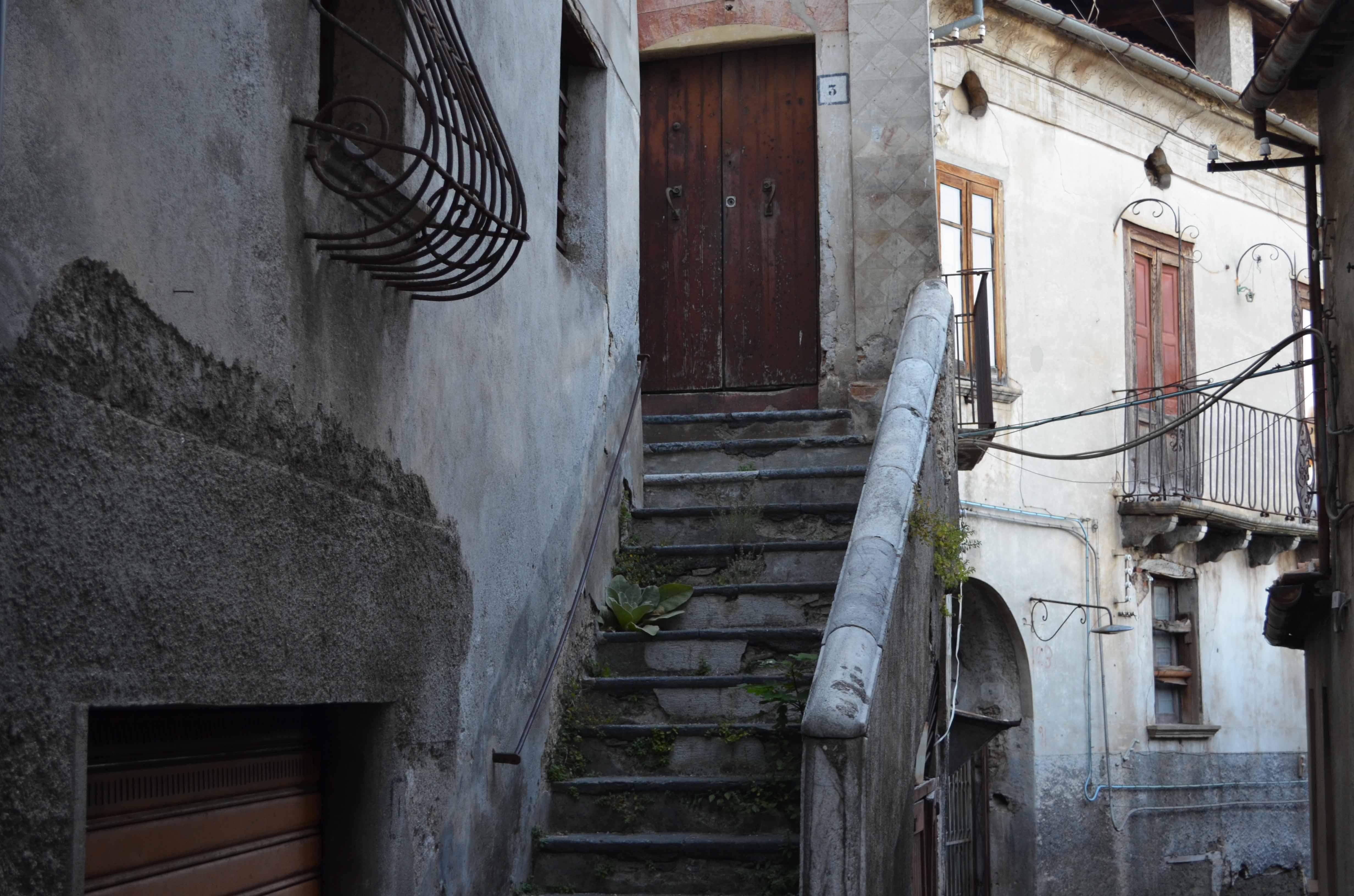 Giornale interattivo di san donato di ninea cs pagina for Seminterrato di case abbandonate